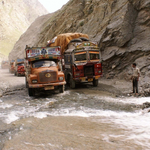 The Manali - Leh highway. India's road to the Himalayas - FFDL